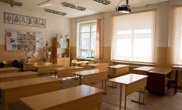 В Тарутинском районе школы переводят на онлайн-обучение, кроме первоклашек