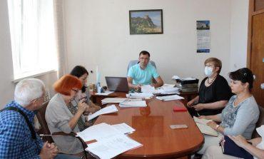 Как в Белгороде-Днестровском готовят сани летом