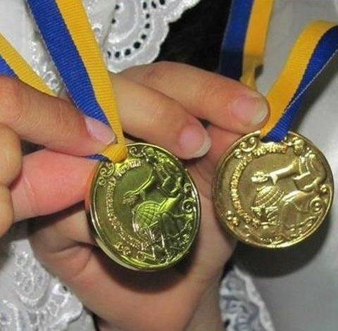 В Белгороде-Днестровском в нынешнем году 23 выпускника-медалиста
