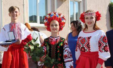 Сине-жёлтые краски радовали горожан в Белгороде-Днестровском (фото)