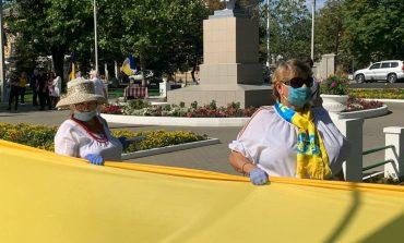 В Измаиле развернули стометровый флаг Украины (фото)