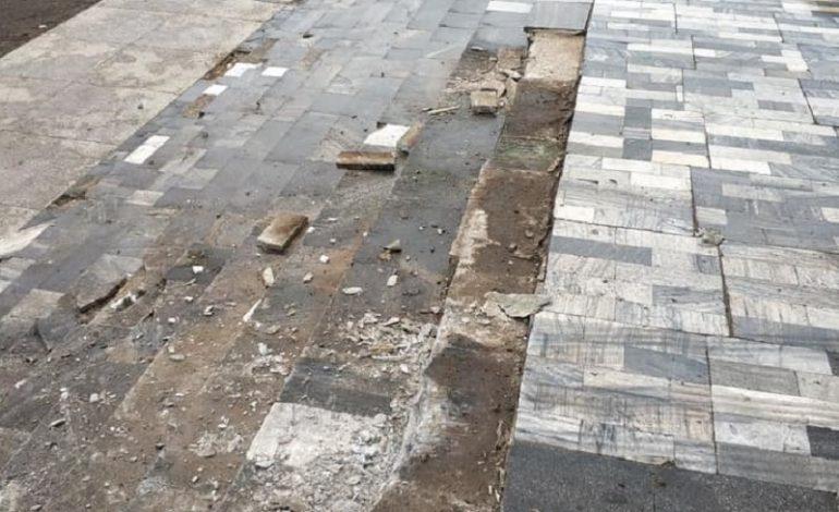В Килийском районе водитель-экстремал разрушил мраморные ступеньки Дома культуры (фото, видео)