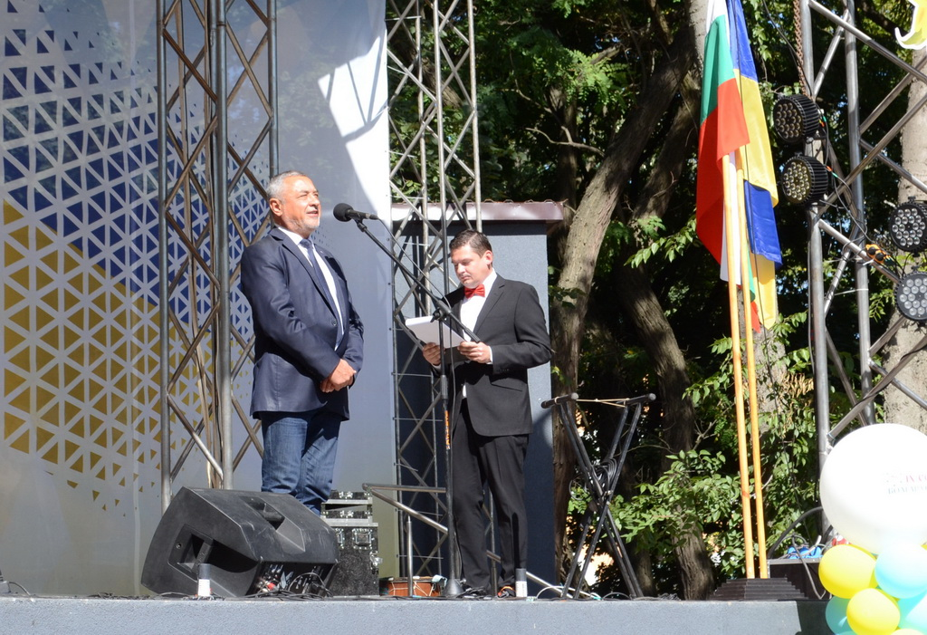 В Мелитополь съехались болгары со всей Украины В дороге - сайт о путешествиях и приключениях