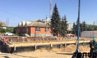 Строительство амбулатории в Новых Троянах идет по плану