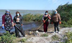 Как в Белгороде-Днестровском горожане делают чище побережье лимана