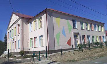 В Банновке Болградского района школа в центре внимания депутатов