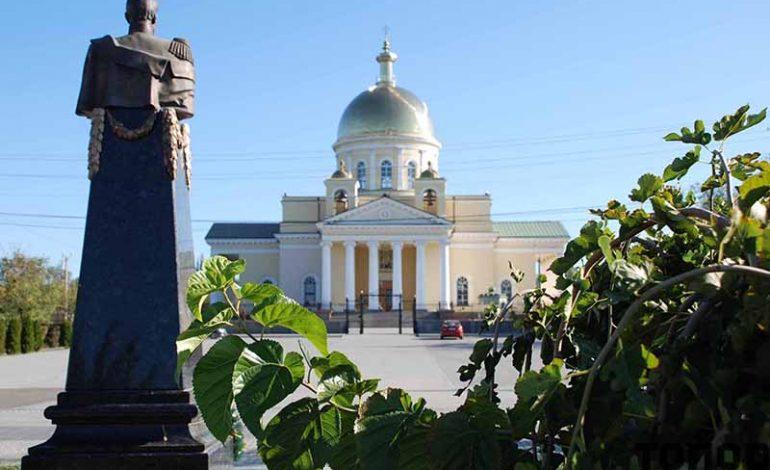 Болградский собор в лучах осеннего солнца (ФОТО)