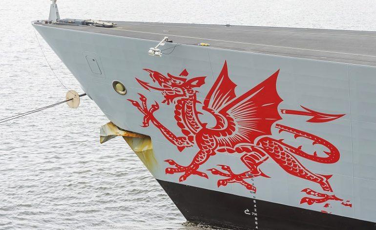 В Одесском порту пришвартовался британский корабль с уэльским драконом (фото)