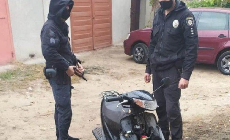 В Белгород-Днестровском 12-летние ребята покатались на чужом мопеде, теперь их родители заплатят штраф