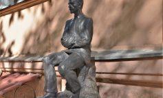 В Одессе установили памятник Ивану Бунину с GPS-трекером:  что это и для чего