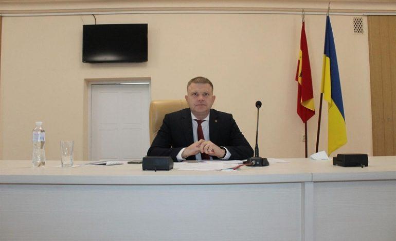 Мэр Белгорода-Днестровского предлагает  затягивать пояс и сокращать чиновников