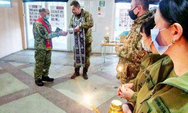 Болградским морпехам передали Вифлеемский огонь мира