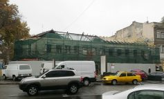 Потеряло свой облик самое старое здание в Одессе (фото)