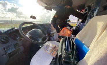 Дальнобойщик попытался провезти на паромном комплексе «Орловка» более 33 тысяч евро