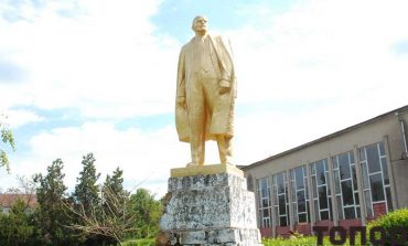 В селе Калчева памятник Ленину остается на своем месте
