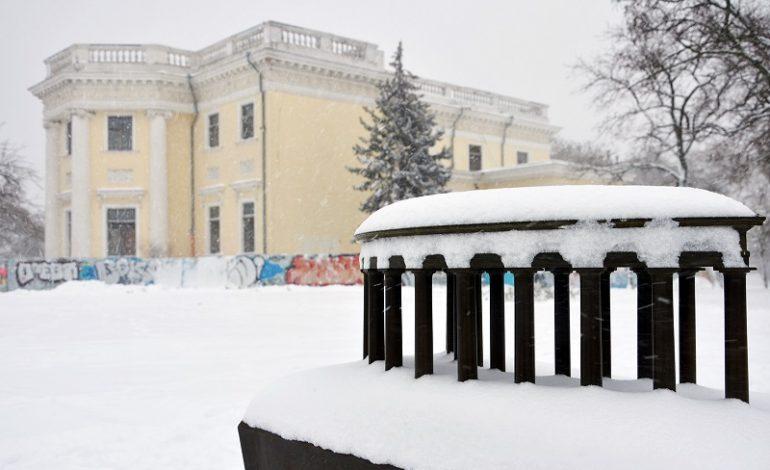 Одессу засыпало снегом (фоторепортаж)