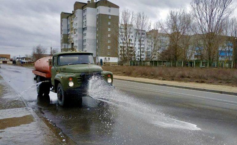 Белгород-Днестровский помыли поливальной машиной