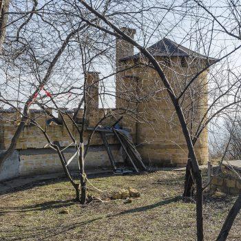 Сторожевая башня в парке Шевченко приходит в упадок (ФОТО)