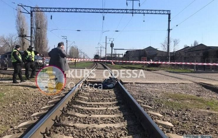 В Одессе человек попал под поезд