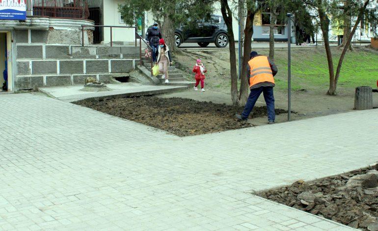 Сквер вместо стихийной торговли обустраивают в Белгороде-Днестровском