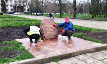 В Одессе в очередной раз надругались над памятником погибшим воинам АТО (фото)