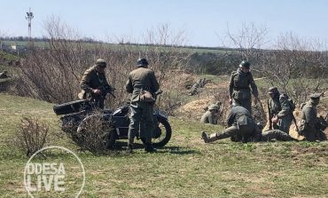Под Одессой воссоздали эпизод военного боя 1944 года