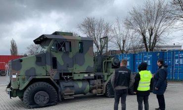 В Одессу пытались ввезти тягач от американского танка под видом гражданской техники
