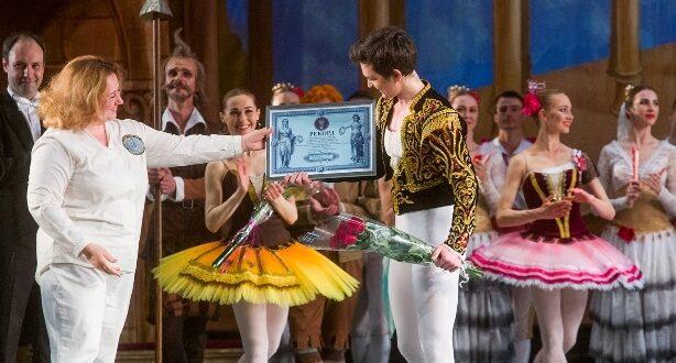 Солист балета Одесской оперы установил рекорд Украины