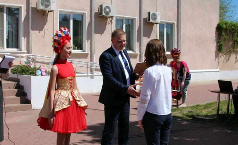 Ученикам Белгорода-Днестровского вручили стипендии мэра