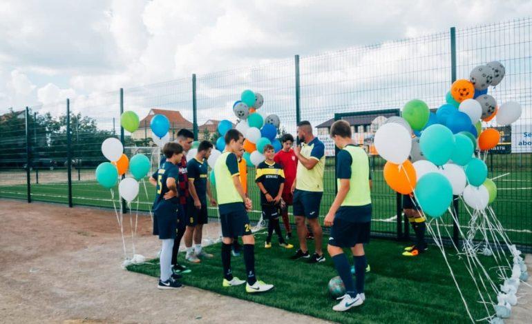 На юге Одесской области владелец базы отдыха построил футбольную площадку