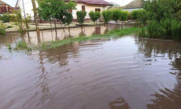 В Килие ливневый дождь затопил город (фото)