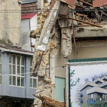 В Одессе сносят бывшие таможенные склады на Приморской (фото)