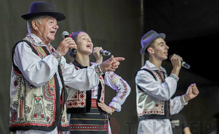 Молдаване из Саратской громады открыли международный фестиваль Odessa-June-Folk-Fest