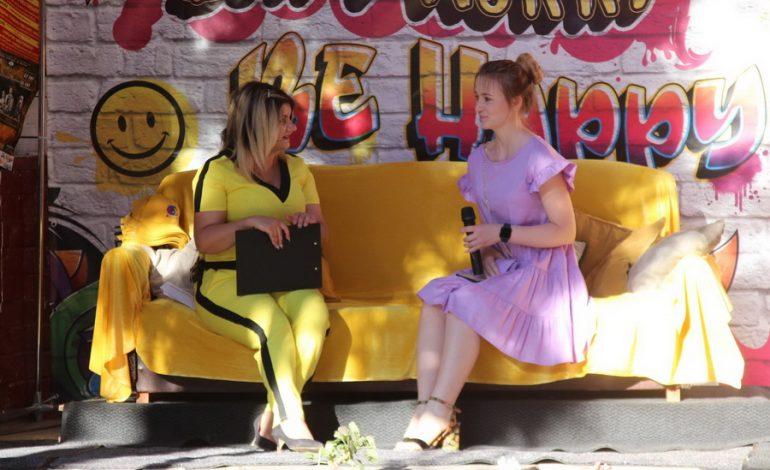 Жители Белгорода-Днестровского побывали на «Жёлтом диване» (фото)