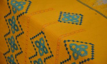 В Килии открылась выставка мастерицы, которая вышивает без рук (фото)