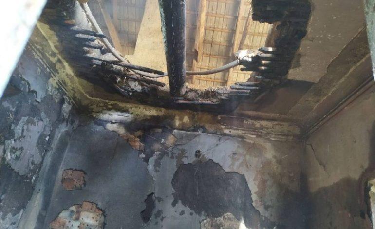 На юге Одесской области горела сельская библиотека (фото)