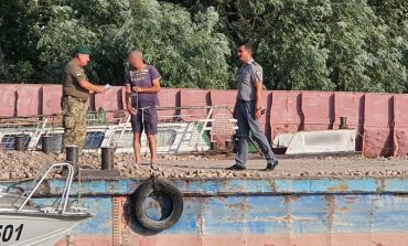 Иностранцы незаконно заплыли в Украину, перепутав устья Дуная