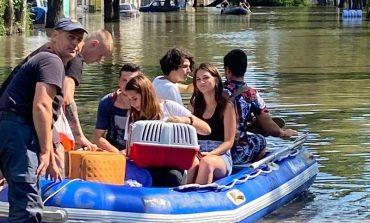 Одесса: попавших в водяную ловушку людей переправляли лодками