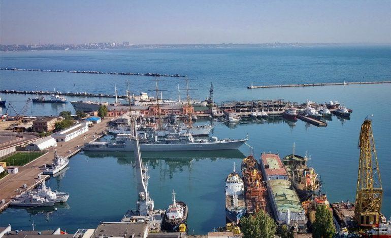 Флагман ВМС Украины отправили на ремонт в Николаев