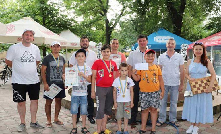 В Болграде Международный день шахмат отметили шахматным турниром
