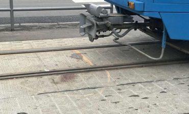 В Одессе человек попал под трамвай и остался жив