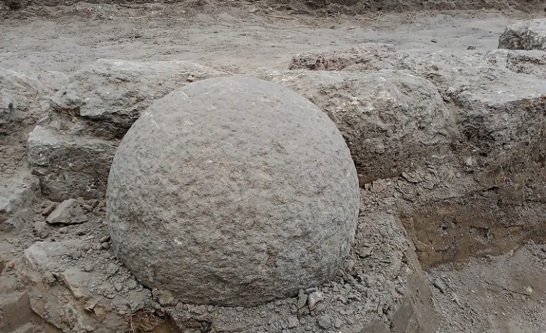 В Аккерманской крепости нашли турецкое каменное ядро