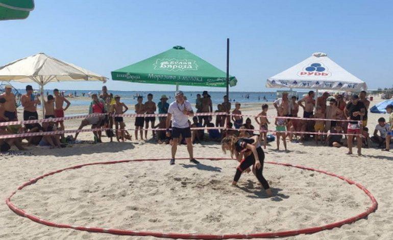 На юге Одесской области состоялись соревнования по пляжной борьбе