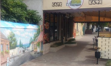 Аккерманский художник продолжает украшать город