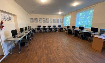 Айтишники подарили сельской школе Саратской ОТГ целый компьютерный класс