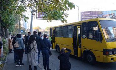 В Одессе  штрафуют  маршрутчиков за стоячих пассажиров (фотофакт)