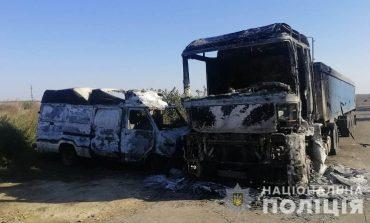 На юге Одесской области мужчина отомстил односельчанину - сжег автобус и грузовик